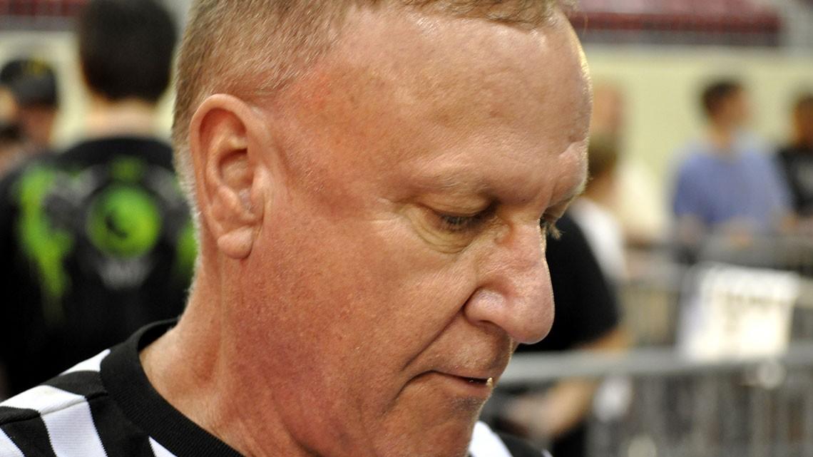Earl Hebner - mikemooneyham.com